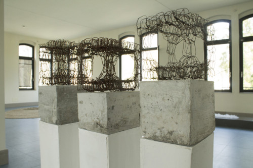 installazione di tre sculture in ferro e cemento, cm 18x11x9 cad. (Premio Valcellina Il Doppio, Museo delle Coltellerie, Maniago)